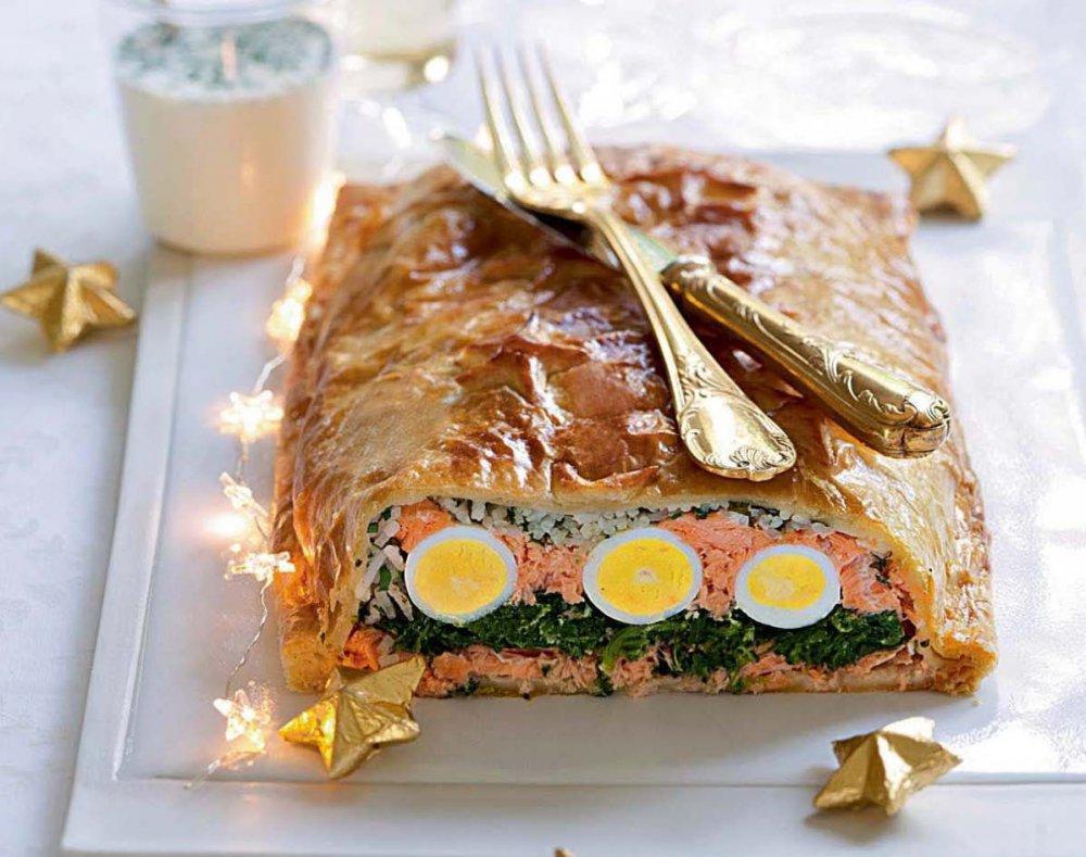 qu il soit frais ou fume servi en aperitif en entree ou en plat le saumon est un des incontournables de noel difficile d imaginer un repas de fete sans