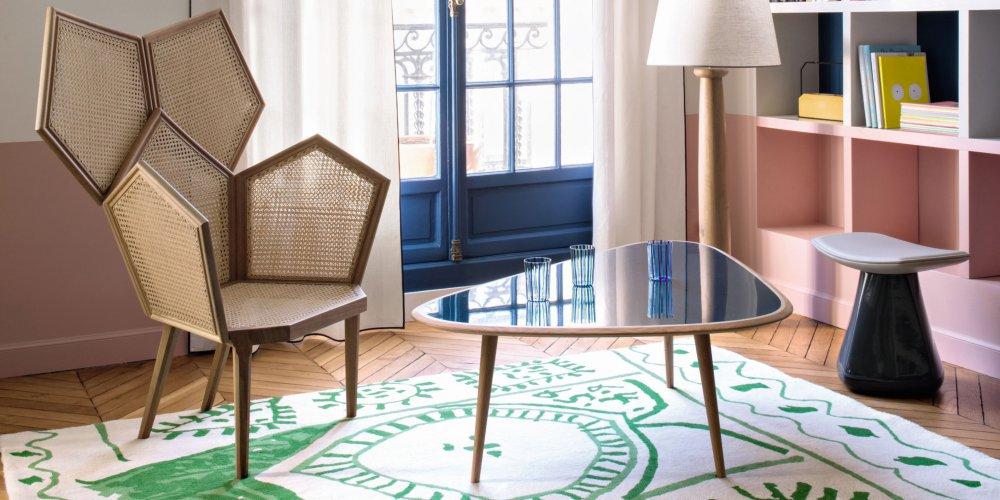 generalement placee au cœur de la piece la table basse est un element primordial dans le salon la forme la structure la matiere et la taille sont