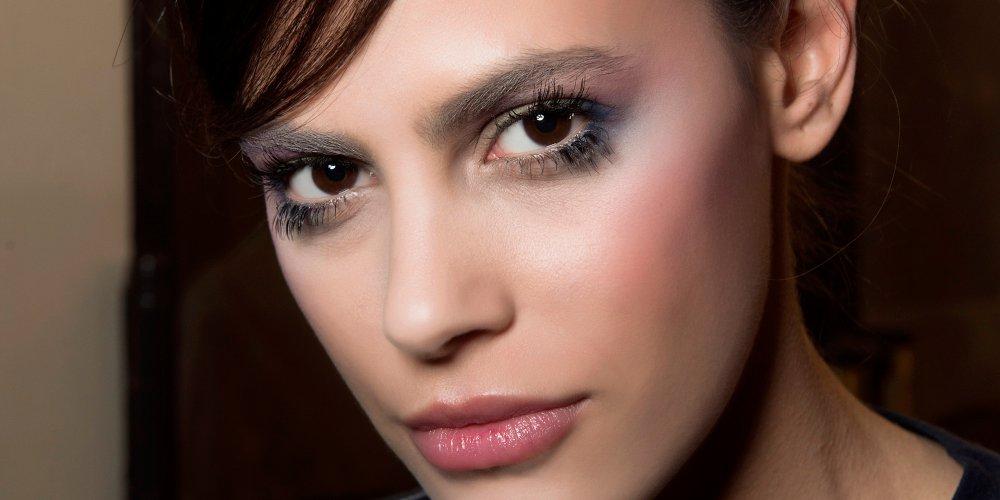 si nos yeux sont tres fonces bruns ou noirs il n est pas toujours facile de savoir quelles couleurs les mettent en valeur voici quelques conseils pour