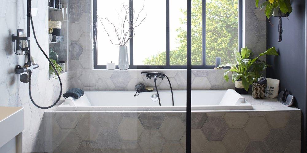 tomette et terre cuite salle de bains
