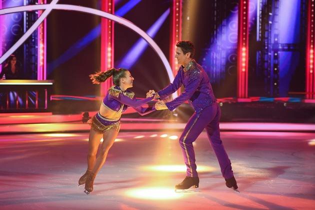 "SAT.1-Show ""Dancing on Ice"" startet gut, Peer Kusmagk muss am Sonntag um 20:15 Uhr im ""Skate off"" zittern"