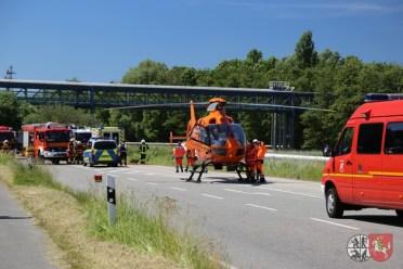 FW-HEI: Schwerer Verkehrsunfall - Zwei LKW stoßen in Brunsbüttel zusammen
