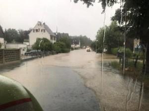 FW-GL: Zahlreiche und umfangreiche Schäden im gesamten Stadtgebiet von Bergisch Gladbach - Stadt stellt Notunterkunft zur Verfügung