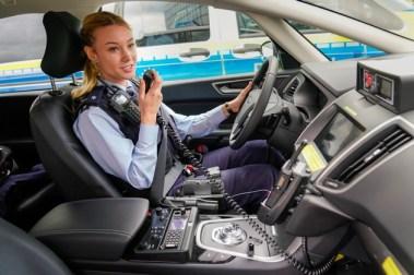 Ford übergibt Streifenwagen-Flotte an Nordrhein-Westfalens Innenminister Herbert Reul