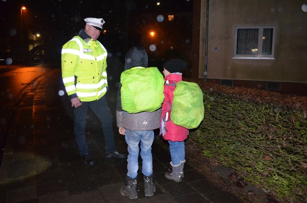 POL-FL: Flensburg - Sicherheit durch Sichtbarkeit - Ein Appell an Radfahrer und Fußgänger und die Eltern von Schulkindern