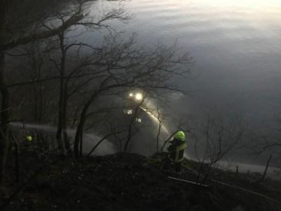 FW-OE: Flächenbrand im Uferbereich des Biggesees