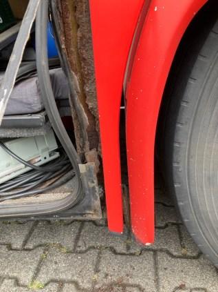 POL-E: Mülheim an der Ruhr: Buskontrolle vor Schulausflug - Polizei untersagt Weiterfahrt (Fotos)
