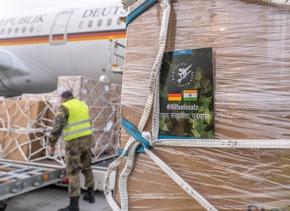 Corona-Hilfe: Luftwaffe fliegt 120 Beatmungsgeräte und eine Sauerstofferzeugungsanlage nach Indien