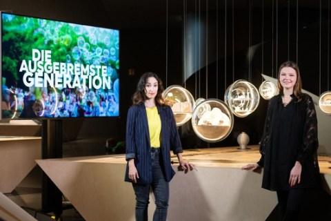 """""""Die ausgebremste Generation"""": Das """"3satThema"""" mit zwei Dokus / """"3satThema Talk"""" mit Zukunftsforscherin Aileen Moeck"""