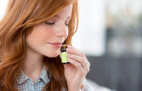 Gestörter Geruchssinn durch Corona: / Riechtraining unterstützt die Genesung