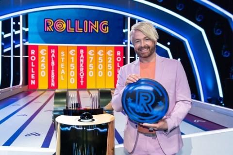 """""""Mal schauen, wie die Münze heute drauf ist!"""" Alles ist möglich in der neuen Vorabend-Show """"Rolling – Das Quiz mit der Münze""""- ab Montag, 10. Mai 2021, um 18:00 Uhr in SAT.1"""