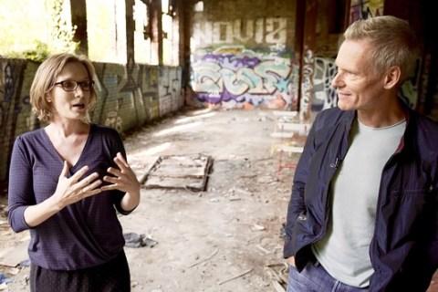 """3sat sendet """"nano: Krise? – Endlich! Zeit für ein anderes Leben"""" / Film von und mit """"nano""""-Moderator Ingolf Baur über eine neue ökonomische Zukunft"""