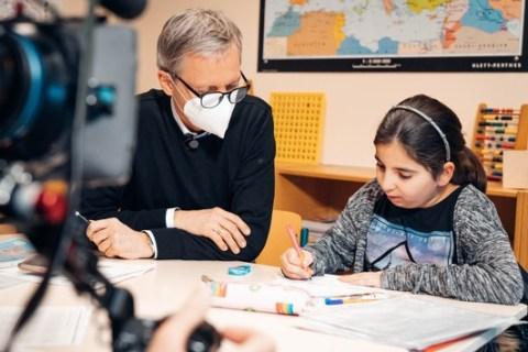 50.000 Euro für die Schul-Nachhilfe im Lockdown / Deutsche Vermögensberatung unterstützt Aktion für RTL-Kinderhäuser