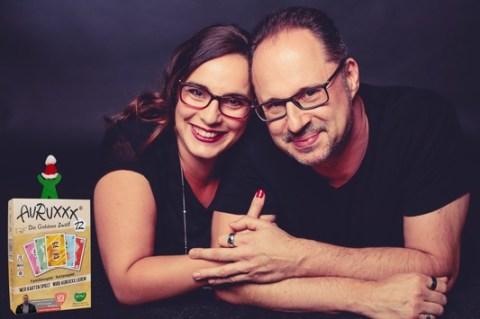 Nervenkitzel pur: Das Kartenspiel Auruxxx / So macht Zuhause bleiben Spaß