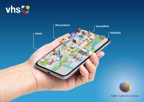 Digitale Bildung für alle – Datenkompetenz mit neuer vhs-App spielerisch erwerben / Bundeskanzlerin startet Initiative Digitale Bildung mit App Stadt I Land I DatenFluss