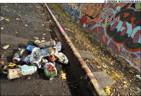 081205_graffiti_cans