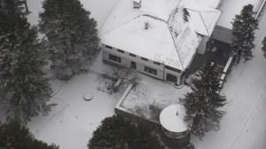 Те събориха 4 незаконни сгради близо до вилата на Живков Аглик, сега Божков.