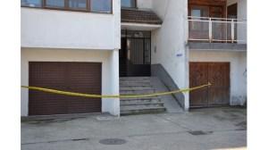 Студент уби майка си с нож в Кърджали (снимка)