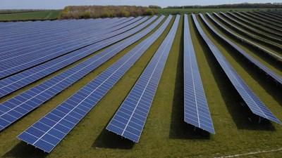 Слънчева електроцентрала край первомайското село Караджалово стана обект на сделка в началото на 2020 г.  СНИМКА: