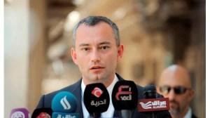 Николай Младенов трябва да се върне, но не и в България