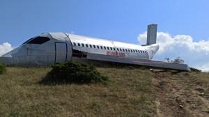 Жители на Сандански заснемат макет на самолета, който ги е ударил преди 5 дни.