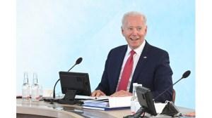 Джо Байдън наруши кралския протокол на срещата на върха на Г-7 (снимки)