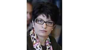 Атанасова: Нинова се разболя от деменция, за да бъде снимана със здравец