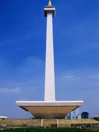 The Monument Nasional or MONAS (as it is usually referred to)