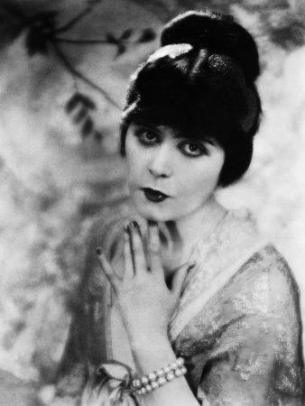 Theda Bara - a primeira Femme Fatal dos filmes