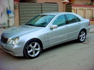Mercedes Benz C Class C220 CDI 2001 for sale in Lahore