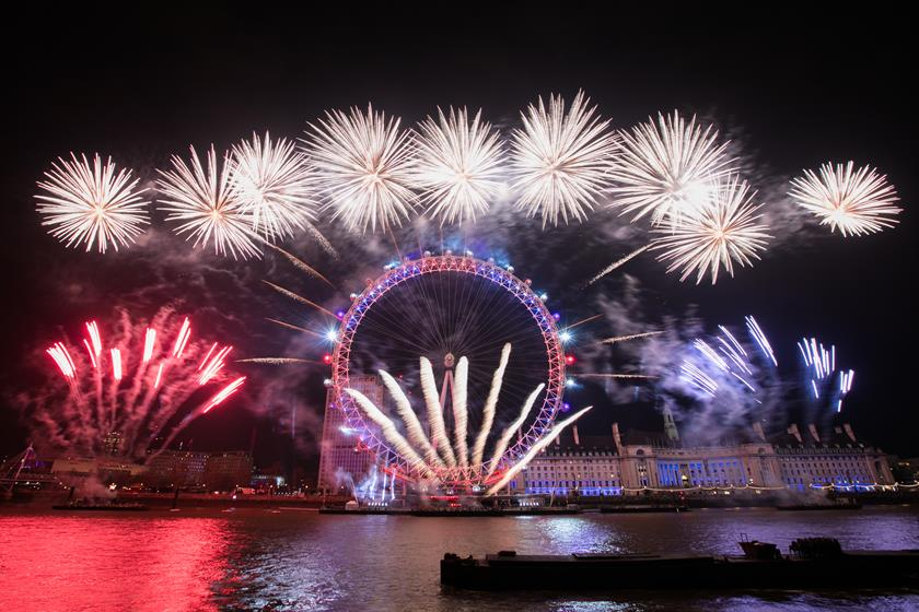 Behind the Scenes  London New Year s Eve fireworks 1 of 9
