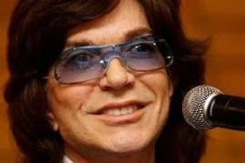 Golpean, amarran, amordazan y roban a Camilo Sesto en Madrid
