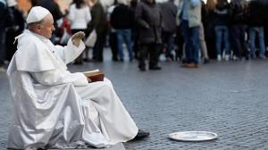 Arrestan en Roma a un artista callejero por parecerse mucho a Juan Pablo II