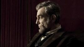 Daniel Day-Lewis, genialmente caracterizado como Abraham Lincoln