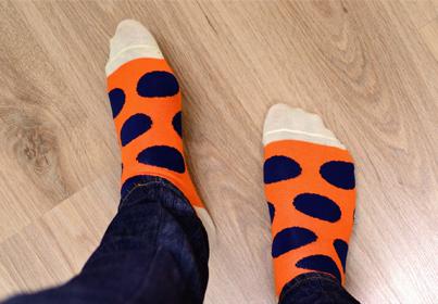 Skarpetki happy socks stały się tak modne, że wszyscy za nimi szaleją