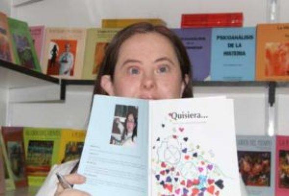 Nuria-mujer-escritora-con-sindrome-de-Down-autora-de-Quisiera