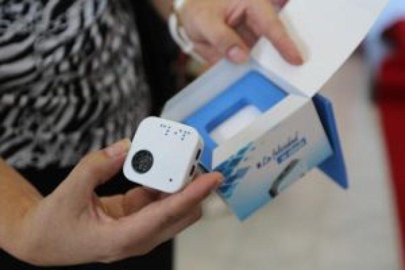 HandEyes lanza Eyeclip, el dispositivo que ayuda a la movilidad de personas con discapacidad visual