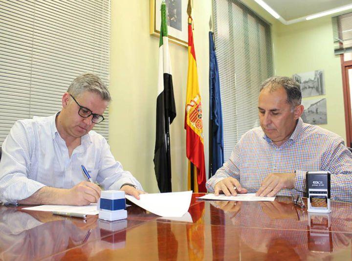 El Ayuntamiento de Campanario firma convenio con Inclusives para contratar a personas con discapacidad