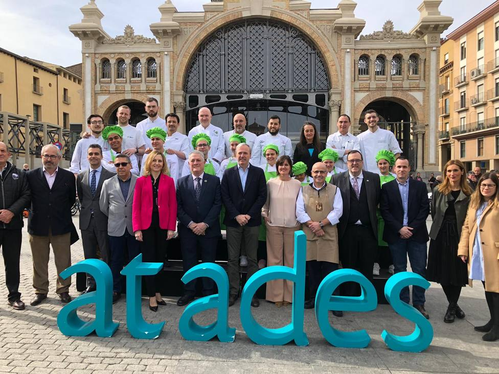 Ocho alumnos de Atades y ocho cocineros revolucionarán el Mercado Central