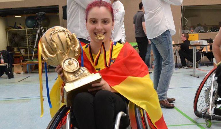 Sara Revuelta es la primera española que juega al basket en silla de ruedas en Estados Unidos