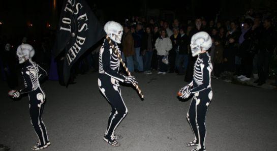 Los esqueletos que pasean por las calles de Verges-