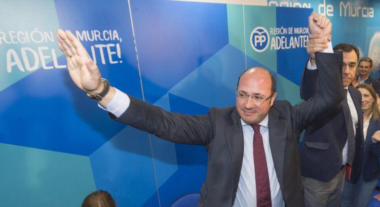 Pedro Antonio Sánchez, a su llegada a la sede del partido en Murcia tras anunciar su dimisión
