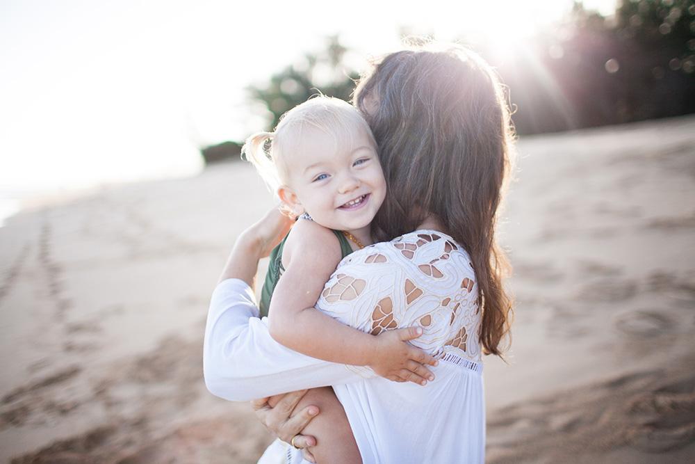 tropical moms, a photography series on Maui motherhood