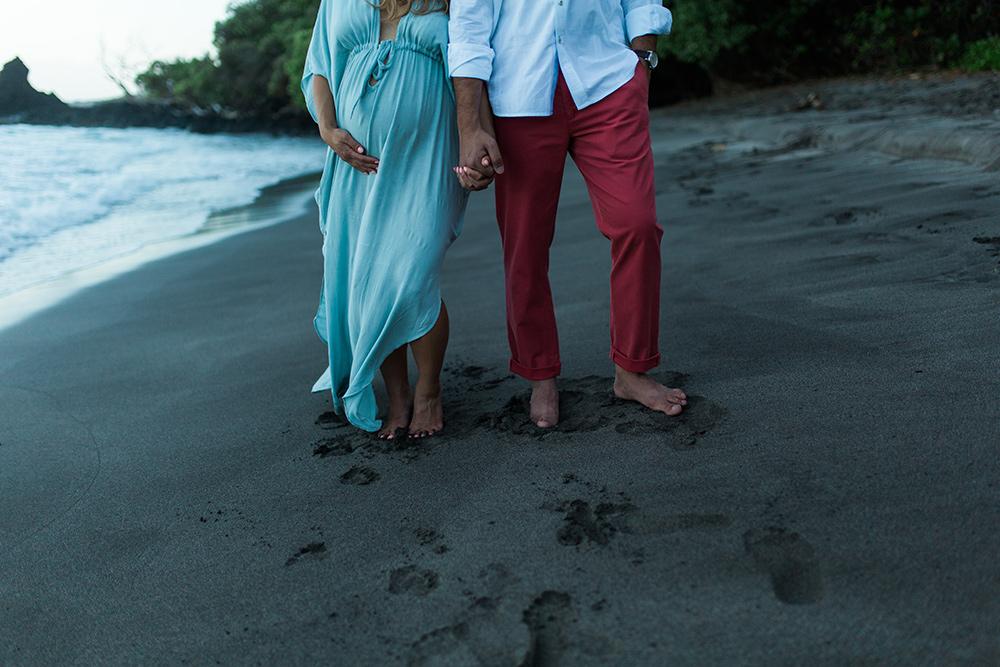 babymoon and maternity photos in Hana, Hawaii.