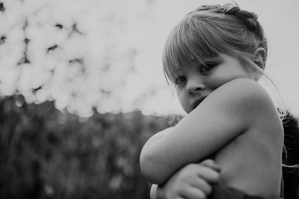 child during family photography session in los angeles