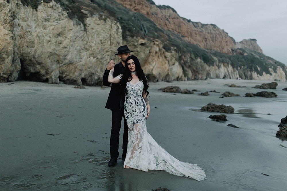 beach elopement in malibu