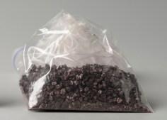 O pigmento Carmim, ou Cochonilha, é feito com um ácido extraído de um pequeno inseto.