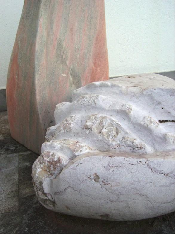 Catrineira ( pormenor ) mármore rosa e lioz 70 x 90 x 60 cm 2006