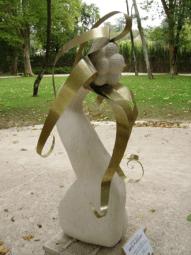 Moca creme e latão 90 x 120 x 180cm 2008 ( Colecção privada )