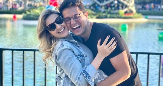 Paulinha e Deive Leonardo_Easy-Resize.com